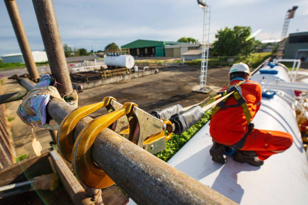 çimento sektörü için güvenlik çözümleri yalnız çalışan güvenliği - lone worker safety in cement industry